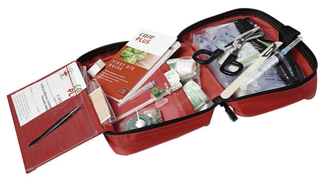 Care Plus First Aid Kit Adventurer Open acquista in Online Shop Igiene / protezione / soccorso  - Sportler