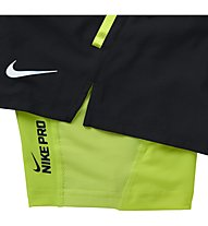 "Nike Phenom 2-in-1 7"" pantaloncini running, Black/Lime"