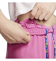 Nike Dri-FIT Tempo - Kurze Trainingshose - Jungen, Pink
