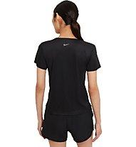 Nike Swoosh Run - t-shirt running - donna, Black