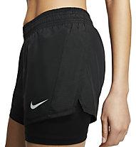 Nike W 2-In-1 Running - pantaloni corti running - donna, Black