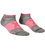 Ortovox Alpinist Low W - calzini corti trekking - donna, Grey/Pink