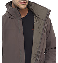 The North Face Resolve Insulated Jacke, Black Ink Green/Venom Yellow