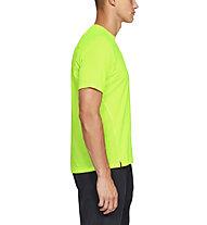 Under Armour Qualifier - T-shirt running - uomo, Yellow